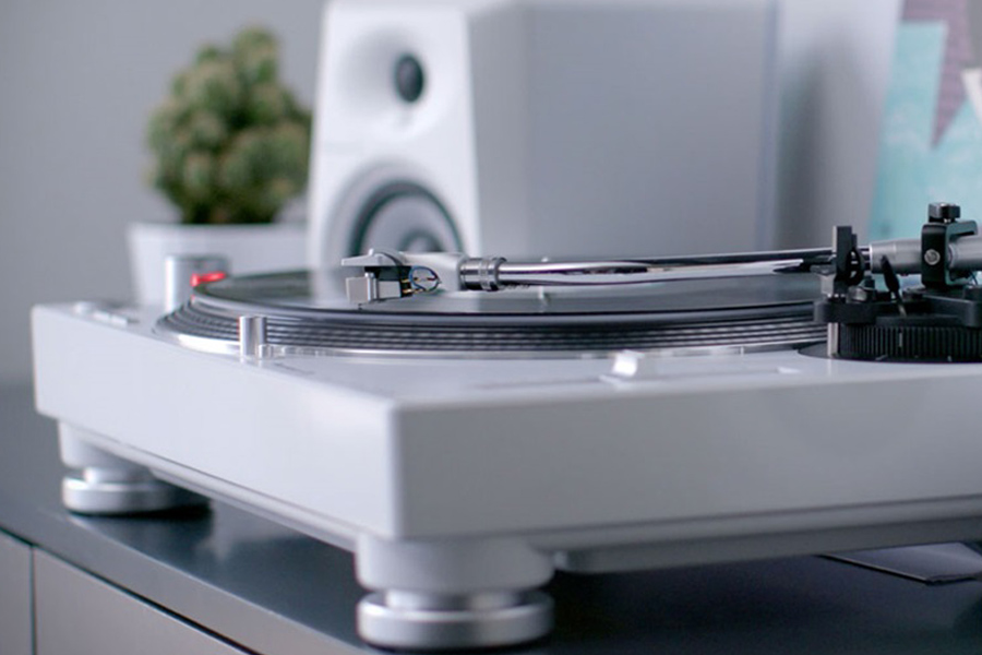 Pioneer's New Turntable will Digitalize Your Records (Video)