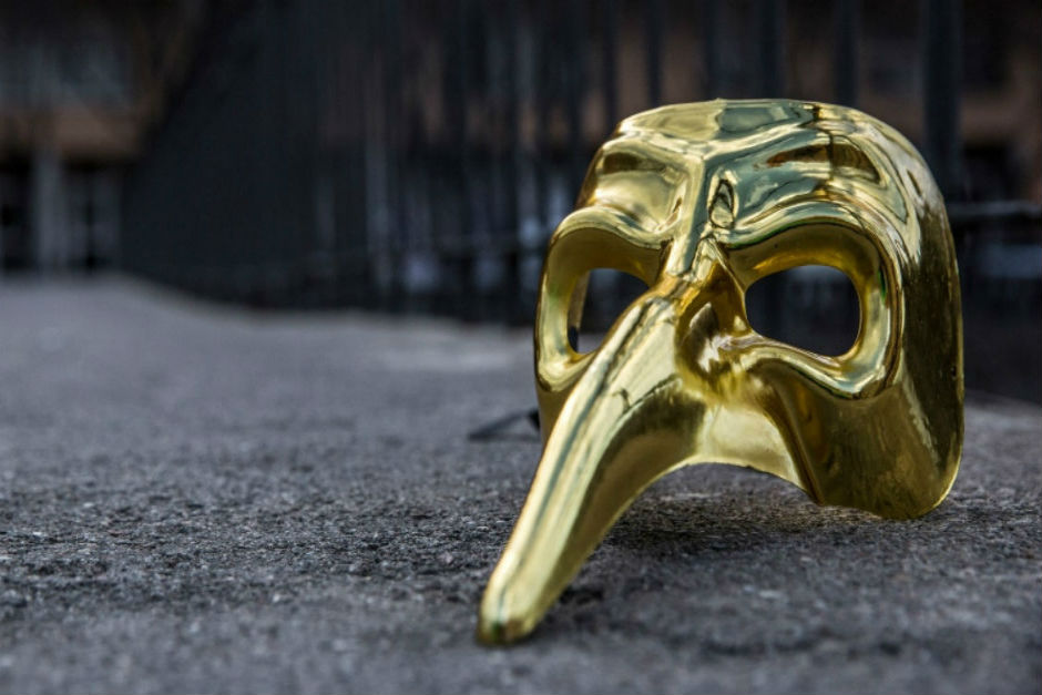 CLAPTONE GOLDEN MASK