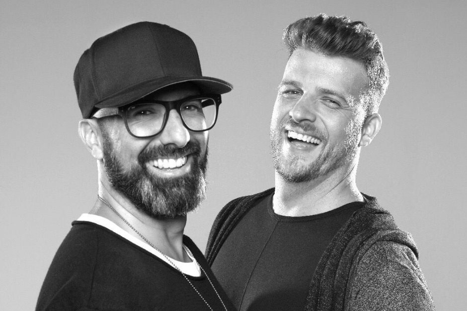 """Chus & Ceballos: """"Nuestro Sonido Ha Seguido Evolucionando A Lo Largo De Los Años, Pero Es Un Hecho Que Aún Mantenemos Nuestra Esencia"""""""