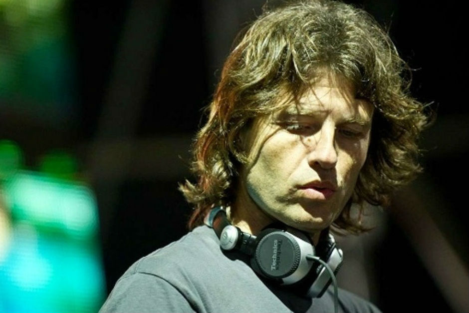 HERNAN CATTANEO CONNECTED