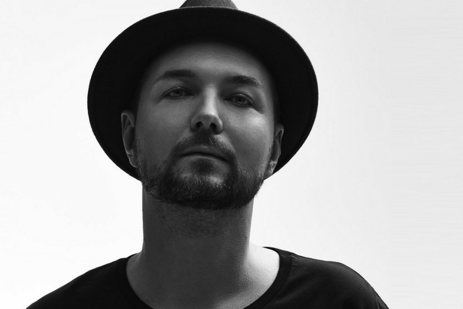 Listen To A Köslch Remix Of Nic Faniculli's 'Saying'